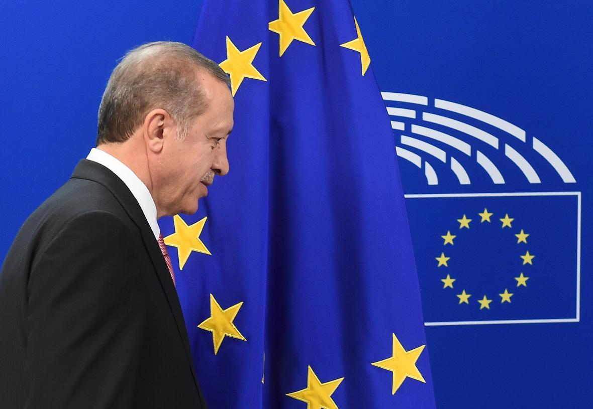 ترکیه و اتحادیه اروپا فردا درباره مسائل مهاجران گفت وگو خواهند کرد
